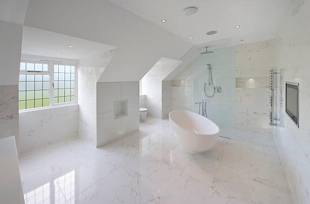 Waar moet je opletten bij een badkamer laten ontwerpen